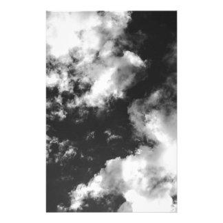 Schwarzweiss-wolkiges Wetter Briefpapier
