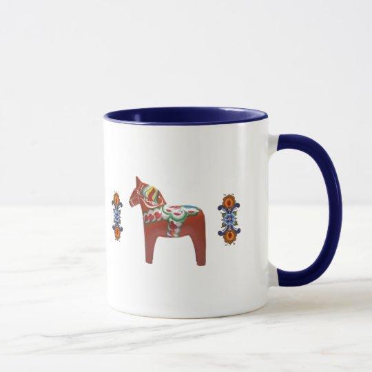Schwede Dala Pferd mit Norweger Rosemaling Tasse
