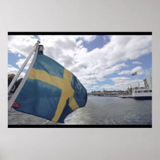 Schwedische Flagge in Stockholm, Schweden; Wasser; Poster