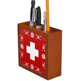 Schweizer Flagge und edelweiss Stifthalter