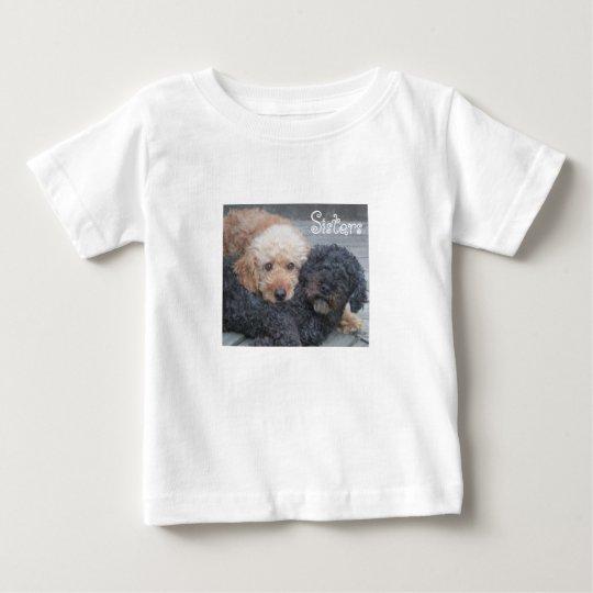 Schwestern - blond u. brünett baby t-shirt