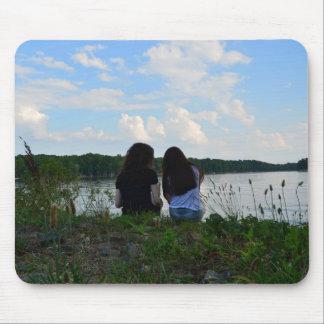 Schwestern/Freunde Mousepad