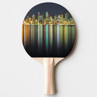 Seattle-Skyline nachts mit Reflexion Tischtennis Schläger