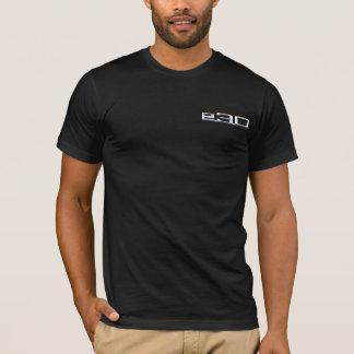 Sedan und Abzeichen BMW E30 T-Shirt