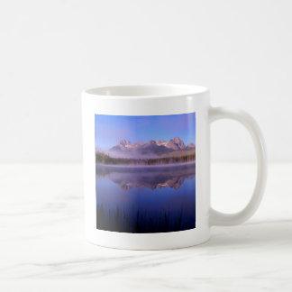 See-Morgen an den kleinen Rotbarschen Idaho Tasse