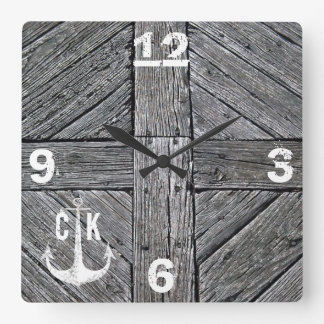 Seemonogramm des rustikalen hölzernen Vintagen Quadratische Wanduhr