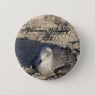 Seemöwe, die The Sun-Sommer-Fotografie genießt Runder Button 5,7 Cm