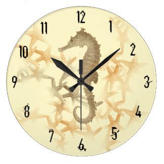 Seepferd-und Starfish-Wand-Uhr durch Julie Große Wanduhr