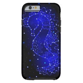 SeepferdeSchwimmen in den Lichtern Tough iPhone 6 Hülle