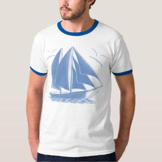 Seeseemann des blauen Segelboots T-Shirt
