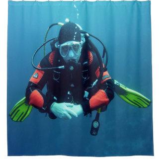 Seetaucher mit Sauerstoffflasche-Blau Backgroud Duschvorhang