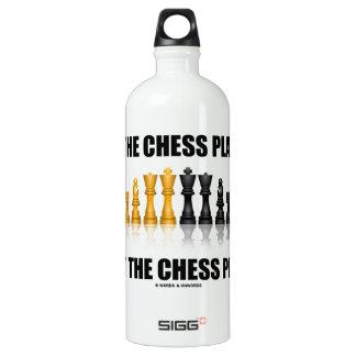 Seien Sie der Schach-Spieler nicht das Wasserflasche