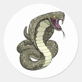 Serpent de cobra environ à frapper autocollants