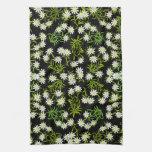 Serviette de cuisine alpine de fleurs d'edelweiss  serviettes pour les mains