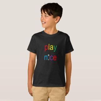 Setzen Sie Nizza Regenbogen-Sicherheits-Button T T-Shirt