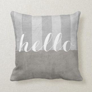 Shabby Chic Throwkissen grau und Weiß mit hallo Kissen
