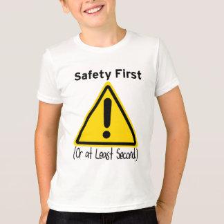Sicherheit erste (oder zweite mindestens) T-Shirt