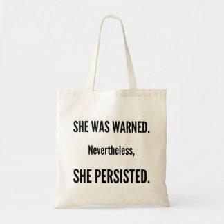Sie bestand Tasche fort