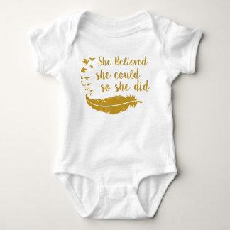 Sie glaubte, dass sie Körper-Anzug könnte Baby Strampler