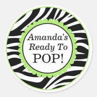 Sie ist zum Pop, Zebra-Druck-Baby-Dusche bereit Runder Aufkleber