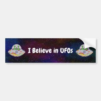 Sie kommen in Friedens-UFO, das ich an UFOs glaube Autoaufkleber