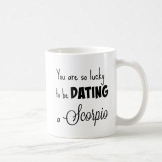 Sie sind, also glücklich verabredete zu sein einen kaffeetasse
