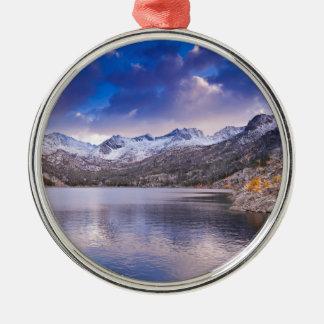 Sierra Nevada-Berge, Herbst, CA Silbernes Ornament