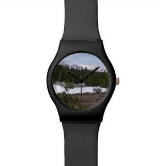 Sierra Nevadaberge und -schnee bei Yosemite Armbanduhr