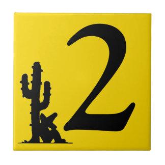 Siesta durch Fliese DOS zwei der Kaktus Gelb-heiße