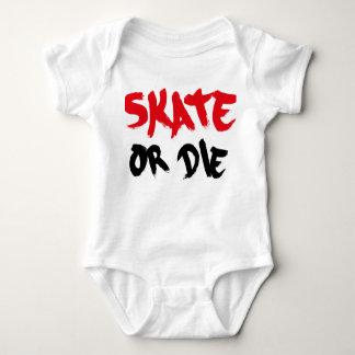 skateboard baby strampler