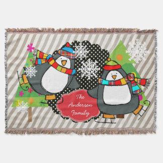 Skatenpenguins-personalisierter FeiertagThrow Decke