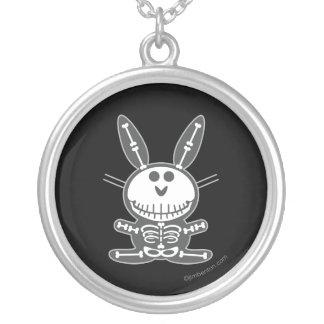 Skeleton Häschen Halskette Mit Rundem Anhänger