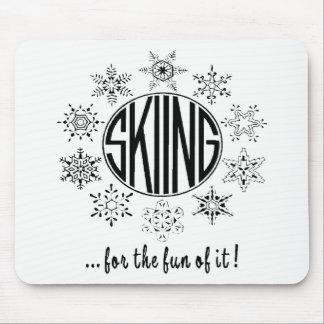 Skifahren ist Spaß - Mauspads