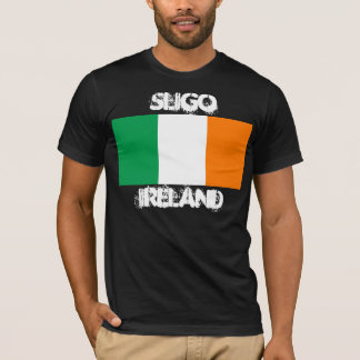 Sligo, Irland mit irischer Flagge T-Shirt