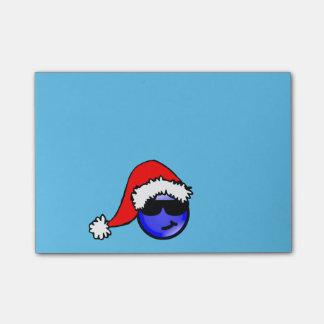 Smiley bleu frais avec le chapeau de Père Noël Notes Autocollantes