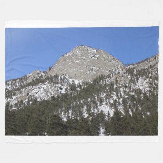 Snowy-Berg in der Sun-Fleece-Decke Fleecedecke