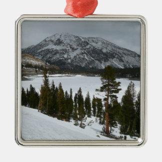 Snowy Ellery See-Kalifornien-Winter-Fotografie Quadratisches Silberfarbenes Ornament