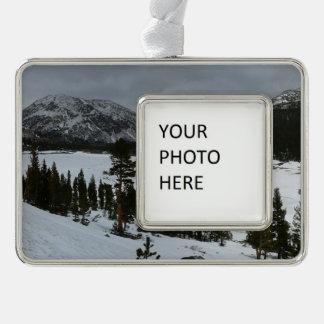 Snowy Ellery See-Kalifornien-Winter-Fotografie Rahmen-Ornament Silber