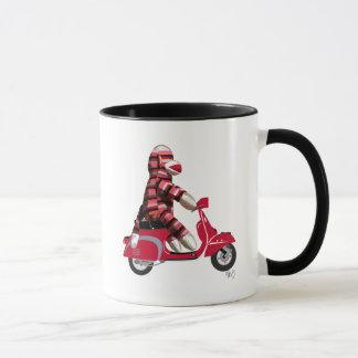 Socken-Affe auf Moped Tasse