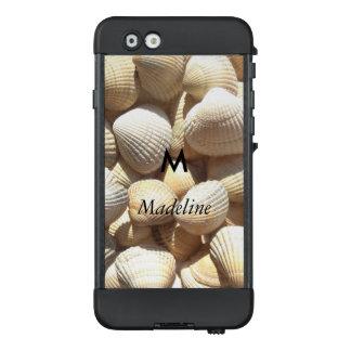 Sommer-Strand-Muscheln des Monogramm-M tropische LifeProof NÜÜD iPhone 6 Hülle