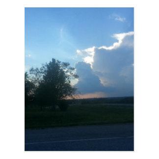 Sommer-stürmischer Himmel Postkarte
