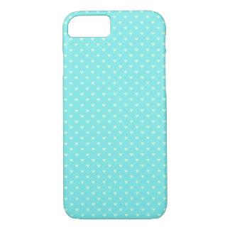Sommer-tadellose grüne Tupfen-Herzen auf Aqua-Blau iPhone 7 Hülle