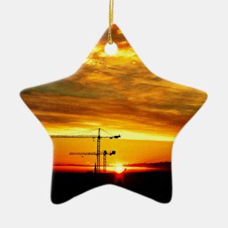 Sonnenaufgang, der Kräne silhouettiert Keramik Ornament