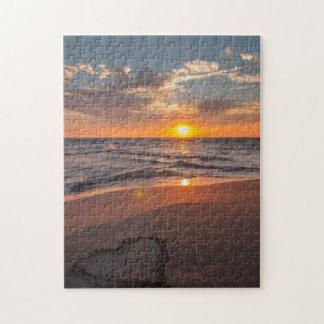 Sonnenaufgang-Herz im Sand