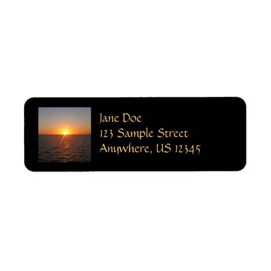 Sonnenaufgang Ozean-Horizont-Meerblick am Meeriii Rücksendeetikett