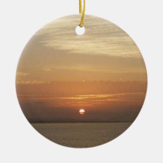 Sonnenaufgang über Meerblick Arubas II Karibisches Rundes Keramik Ornament