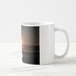 Sonnenaufgang über Michigansee, Hafen Washington, Kaffeetasse
