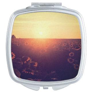 Sonnenblumefeld-Vertragsspiegel Taschenspiegel