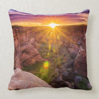 Sonnendurchbruch bei Canyon de Chelly, AZ Kissen