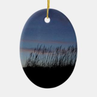 Sonnenuntergang am Strand Ovales Keramik Ornament
